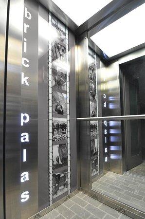 Brick Palas : Lift