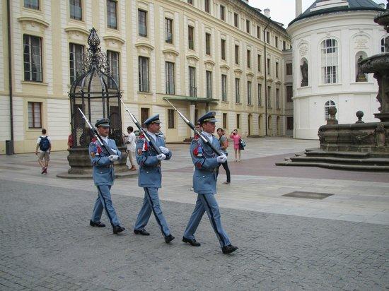 Château de Prague : The guards.