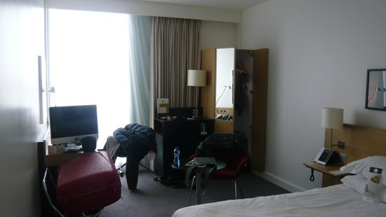 DoubleTree by Hilton Hotel Amsterdam Centraal Station: small room - it's all there!
