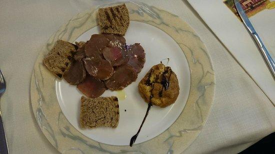 Ristorante Ca' Rossa: carpaccio di carne e soufflè di patate