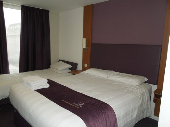 Premier Inn London Waterloo (Westminster Bridge) Hotel: Habitación triple 501