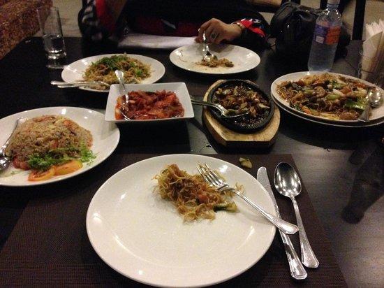 Long Feng : Amazing food!