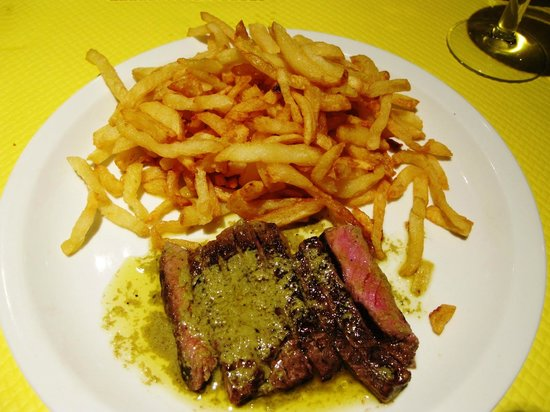 L'Entrecôte : Served with pomme de frites