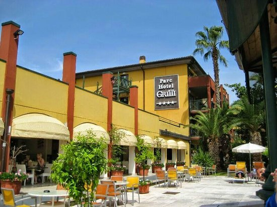Hotel In Bardolino Direkt Am See