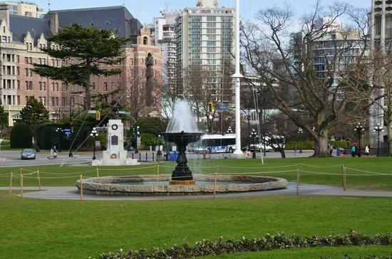 British Columbia Parliament Buildings: 365