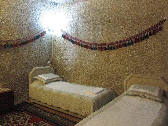 SOS Cave Hotel: 部屋 もっといい部屋もありました