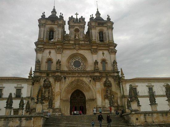 Monastery of Alcobaça : Frontal do santuário