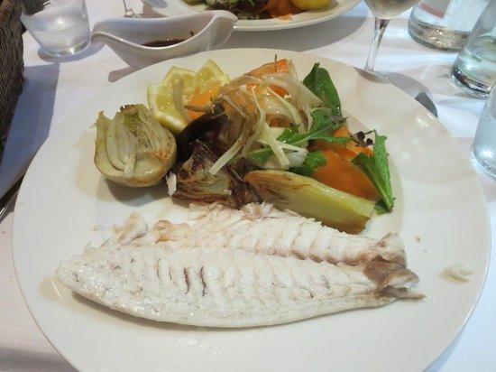 Les Viviers : Sea bream cooked in sea salt crust