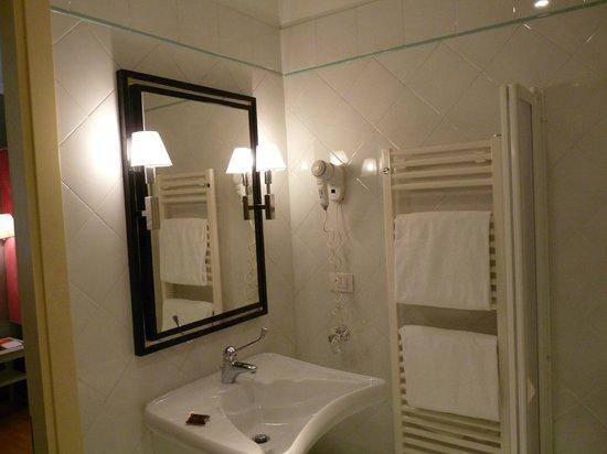 Room Mate Luca: Salle de Bains