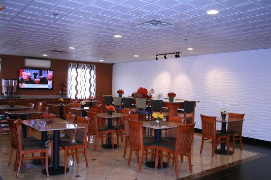 Days Inn Lebanon/Fort Indiantown Gap: lobby 2
