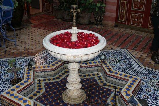 Riad Bleu Du Sud: La fontaine du Riad
