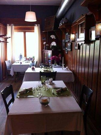 Cafe Cher-Mignon : salle a manger