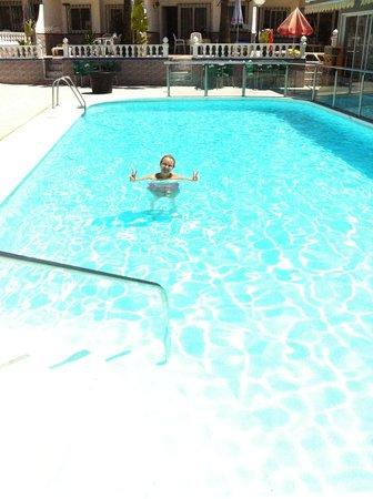 San Valentin & Terraflor Park: Lovely clean pool