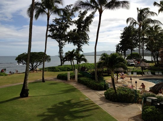 Aston Islander on the Beach: Hotel Grounds looking towards the Pacific Ocean