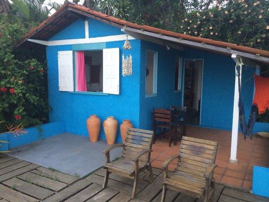 Pousada Luar das Aguas : Frente da casinha azul!