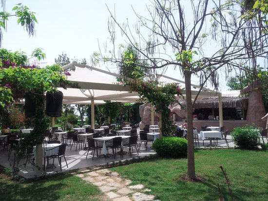 Lycus Beach Hotel: bar de la piscine
