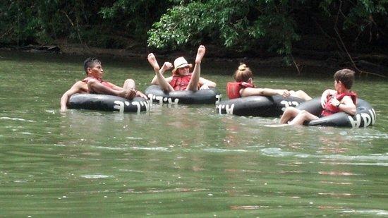 Anaconda Lodge Ecuador Amazonia: Tubing!!