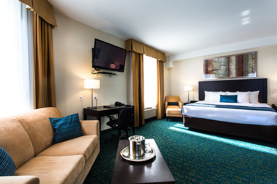 Comfort Hotel Bayer's Lake: Premier Jacuzzi Suite 3