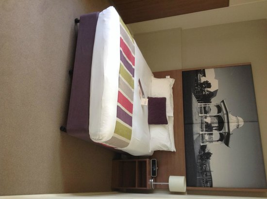 Mercure Grosvenor Hotel: camera standard
