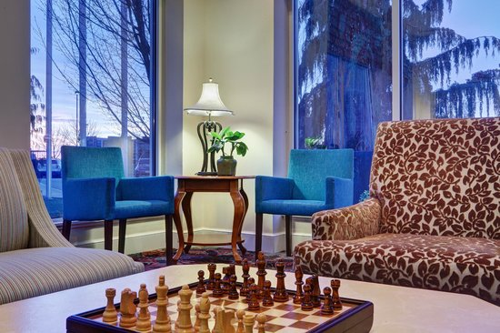 Hilton Garden Inn Tri-Cities/Kennewick: Relax with a game of chess after a long day in the office