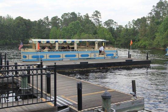 Disney's Port Orleans Resort - French Quarter : Ferry at Dock