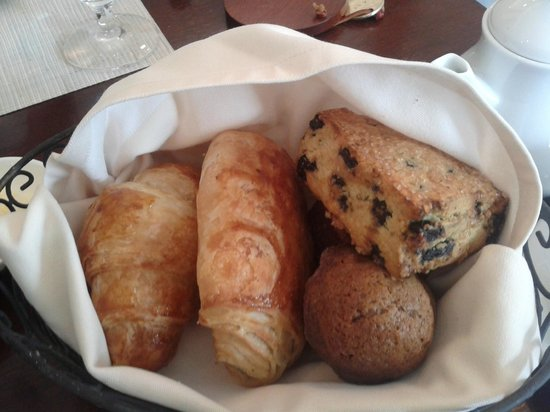 The Mayflower Grace: Delicious pastries for breakfast!