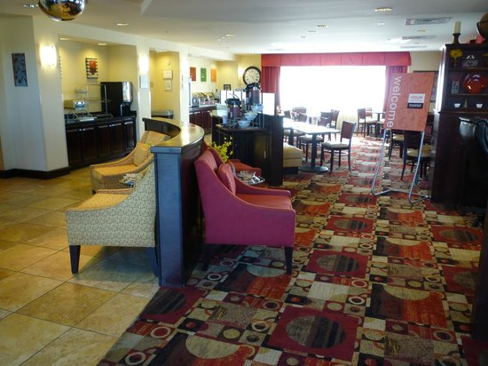 Comfort Suites Gulfport: Immaculate breakfast are