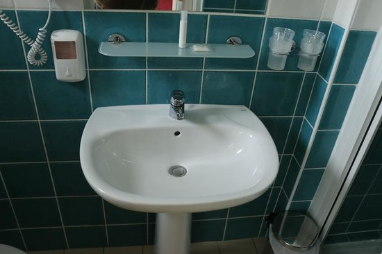 Hôtel Des Halles : Salle de bain