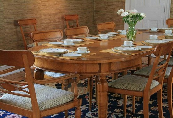 The Federal House B & B : Enjoy breakfast in our formal dining room