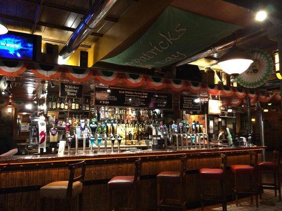 Blooms Hotel: Il Pub VAT House