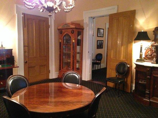 Monmouth Historic Inn Natchez: Study