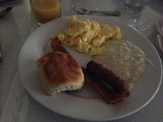 Monmouth Historic Inn & Gardens Natchez : Breakfast