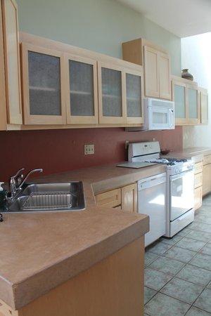 Canyon Rose Suites: Suite 8 - Kitchen