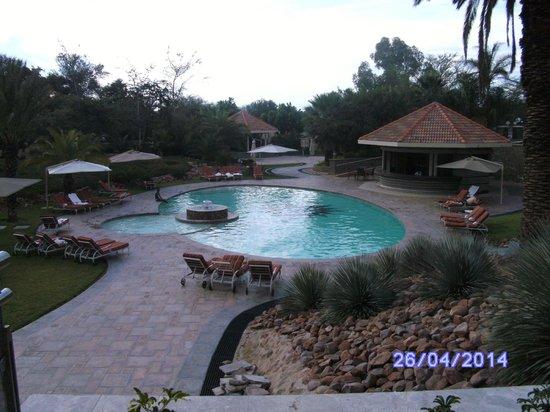Safari Court Hotel: Pool View