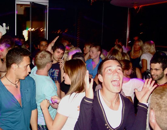Eclipse Bar Platanias : partyyyyy