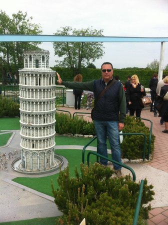 Italy in Miniature : torre pendente