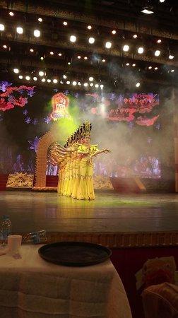 Tang GeWu He JiaoZi Yan: Un phot du spectacle vu du restaurant à XIAN
