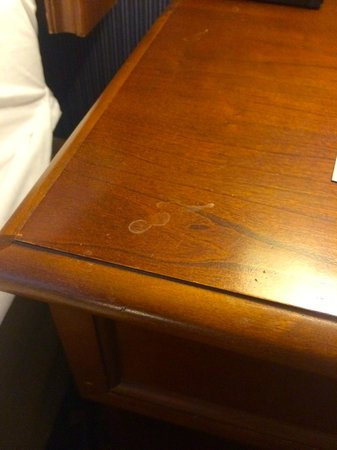 DoubleTree by Hilton Hotel Portland: The night stand