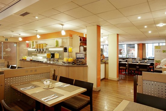 NH Brussels City Centre: Breakfast Buffet