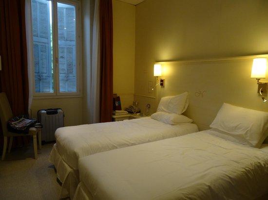 Hôtel Napoléon: Vue côté fenêtre