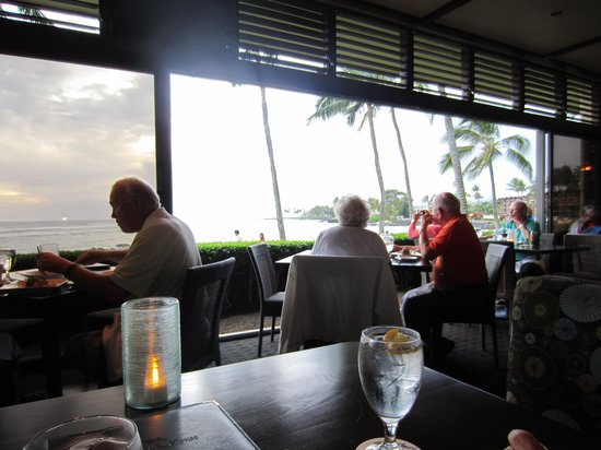 Beach House Restaurant: Inside restaurant
