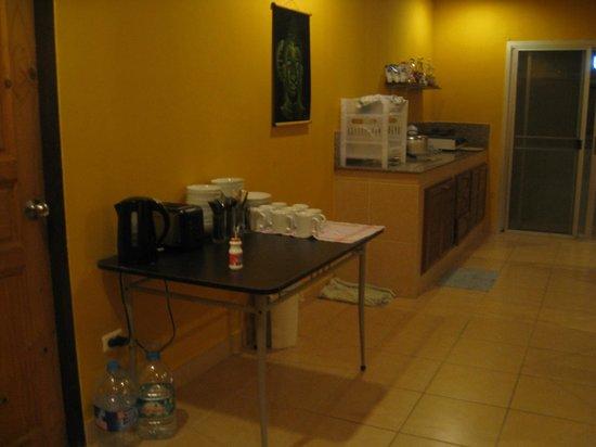 Buddha Lounge : Common area.