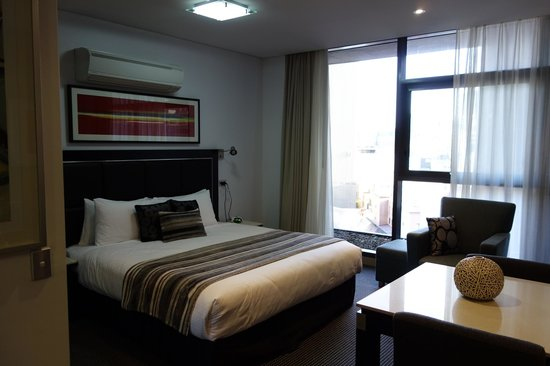 Meriton Serviced Apartments Campbell Street : Bedroom