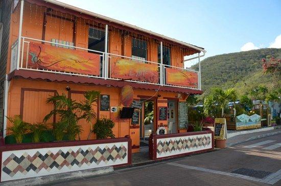 L'AMER : façade du restaurant côté rue