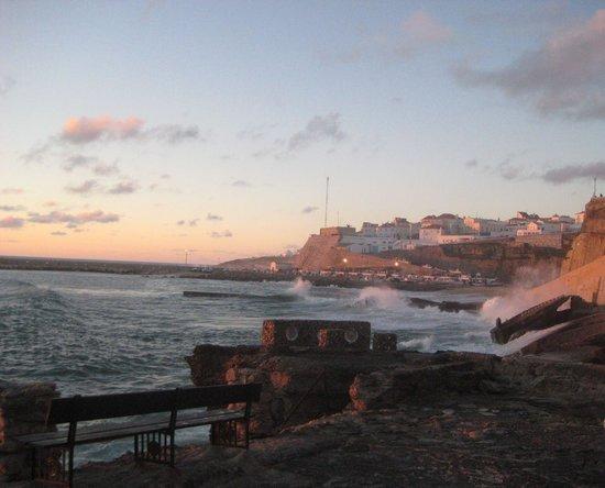 Praia dos Pescadores: The beach at sunset