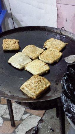 Khan's BBQ: Tanzanian Pizzas