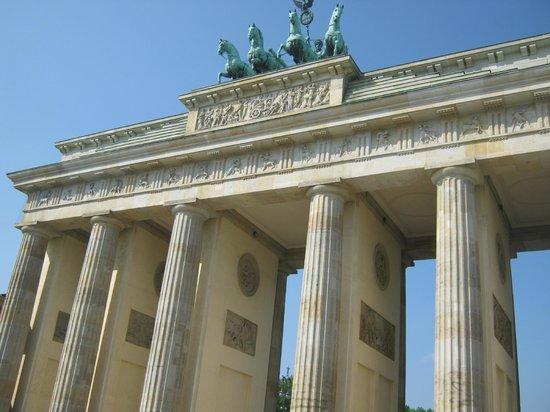 Brandenburg Gate: Beim besten Wetter