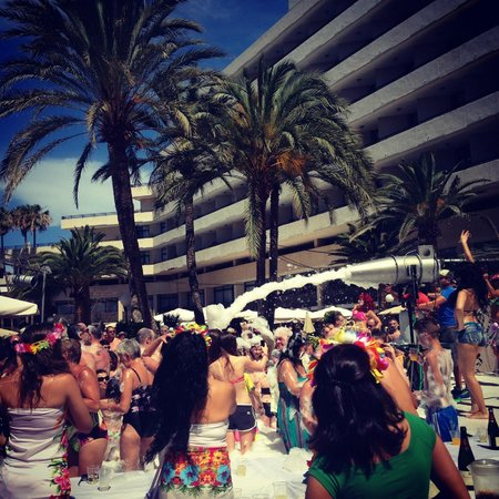 H10 Conquistador : tropical party