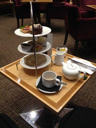 Strand Palace Hotel: Afternoon Tea