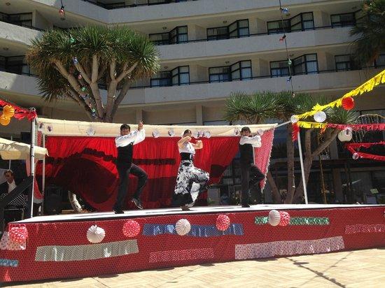 H10 Conquistador : spanish party